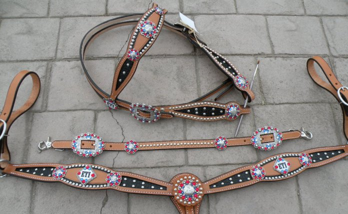 custom trophy tack set inlay